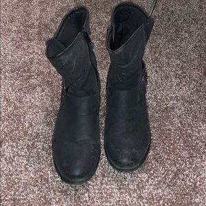 Maurices black buckles boots
